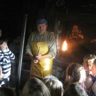 Posjet učenika OŠ Nedelišće kovačnici Horvat