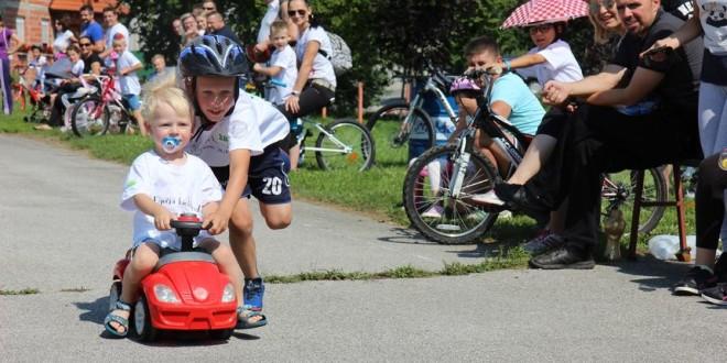 djecja-biciklijada-u-pretetincu-9c14a335db3c6c7b3f5194ace84232d1_view_article_new