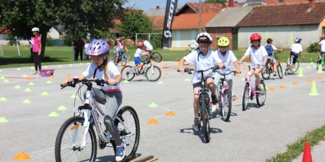 djecja-biciklijada-u-pretetincu-d9a1b522044f66a5675a281eeb3cbe50_view_article_new