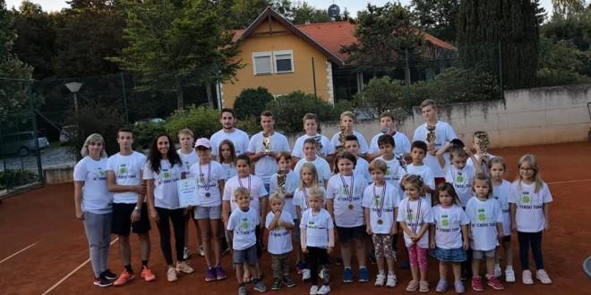 OdrŽan 18. teniski turnir u Slakovcu